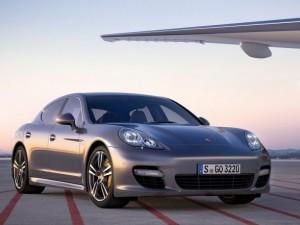 Delta_Air_Lines_Porsche_Panamera