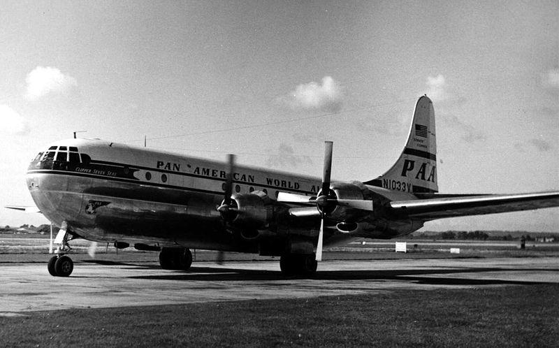 Boeing_377_N1033V_PAA_Heathrow_12.09.1954