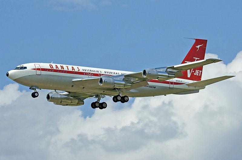 Boeing_707-138B