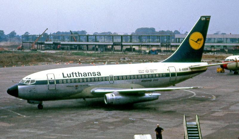 Boeing_737-100_Lufthansa_havayolu