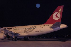 Turkish_Airlines_airbus_A319_TC-JLM