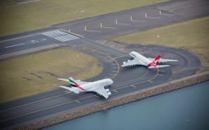 Qantas_Emirates_A380_sydney_31 mar 2013