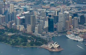 Qantas_Emirates_A380_sydney_31 mar 2013_fly over