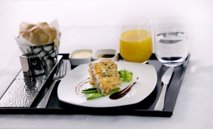 Etihad Airways_newdining concept_Contemporary-table-setting-in-Business-Class