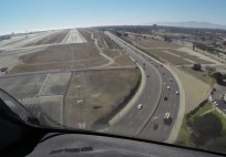 PilotCAM 787 Finals into LAX Rwy 24R