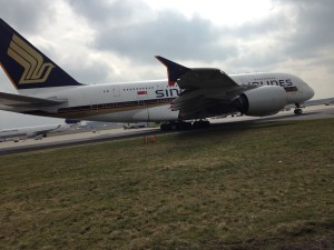 Singapore Airlines_Airbus A380_9V-SKT_Frankfurt Airport_March 2015