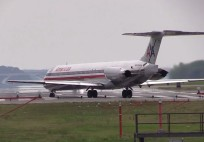 American MD80 Aborts; Delta MD80 Goes Around