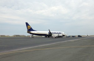 Ryanair_Boeing 737_EI-EVO_Thessaloniki Airport_May 2015