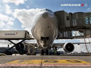Air France_Servair_bridge_apron_2015
