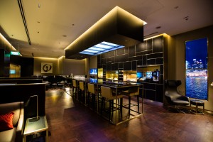 British Airways_First Class_concorde-bar_Singapore Changi_001