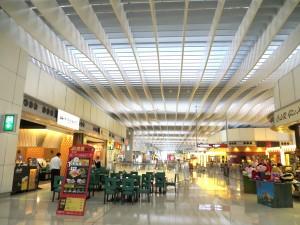 Hong_Kong_Airport_Terminal_SkyPlaza