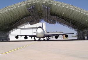 New York_JFK_de-icing_hangar_Boeing 747