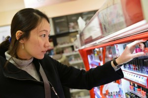 Çinli turist_havalimani_duty-free