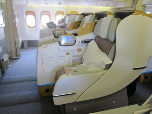 Emirates_business class_seat_2-3-2_Boeing 777