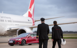 Qantas_Boeing 737_aircraft_Tesla_Model S P90D_electric car