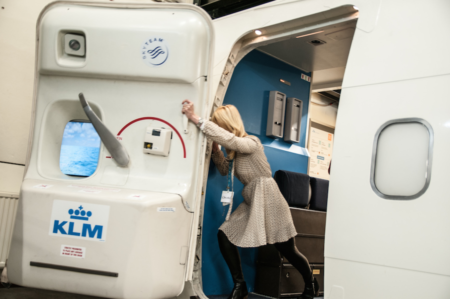 Can you open the plane door during flight? & Can you open the plane door during flight? \u2013 Pro.Net.Mk Pezcame.Com