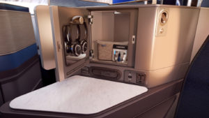 United Airlines_Polaris_new Business Class_June 2016_012