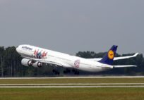 Airbus-A340-600-Lufthansa-Bayern-Munchen_special livery