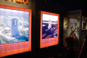 intrepid-sea-air-space-museum_space-shuttle-enterprise_004