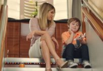 jennifer-aniston-tv-commercial-a380-emirates