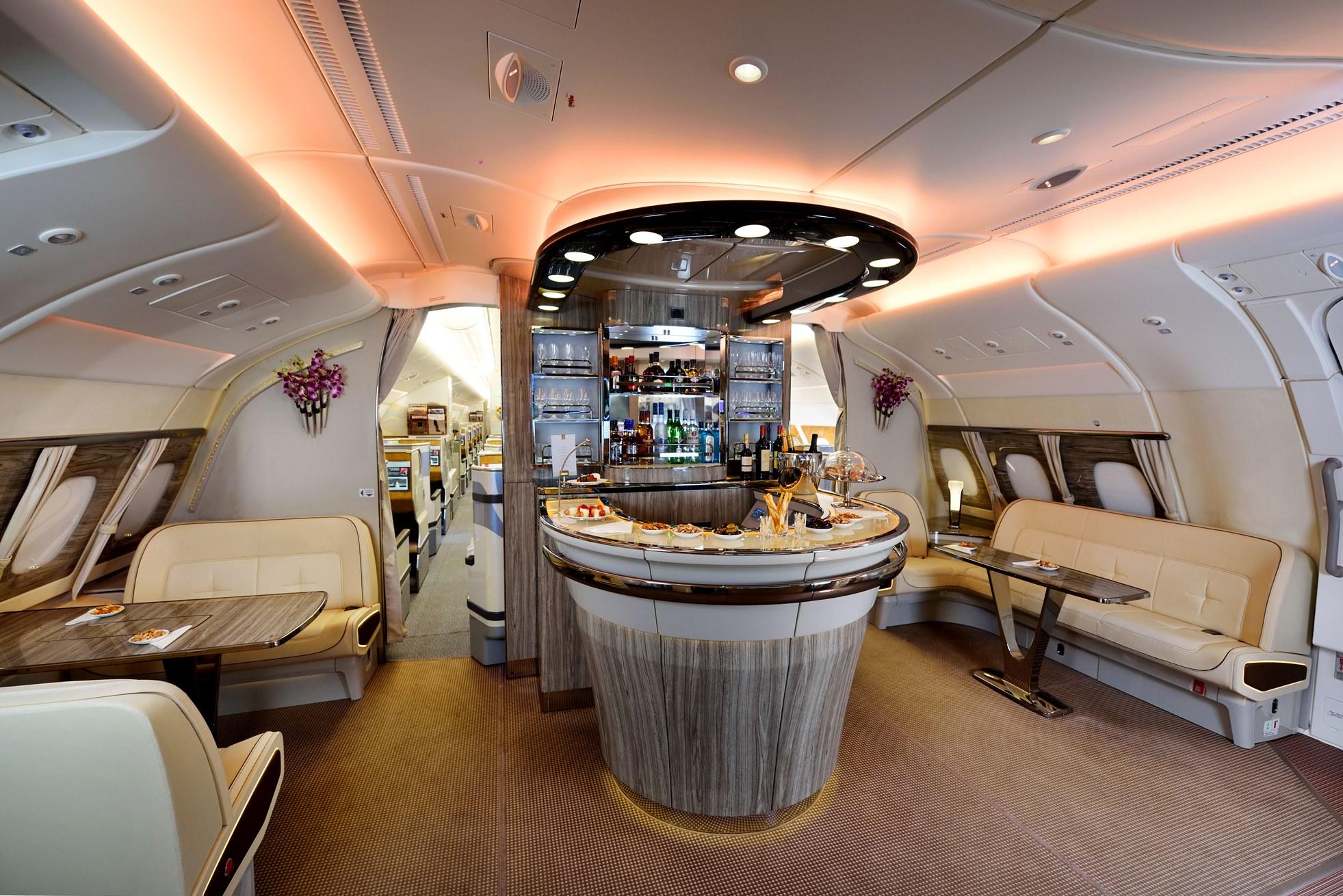 Emirates 39 in filosundaki a380 say s 100 39 e ula yor for Migliori cabine business class 2017