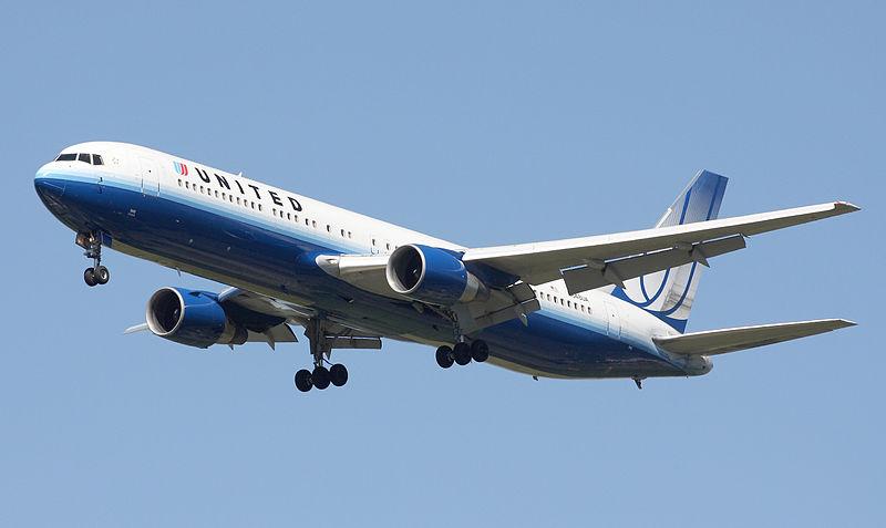 Boeing_767-300ER_United_Airlines