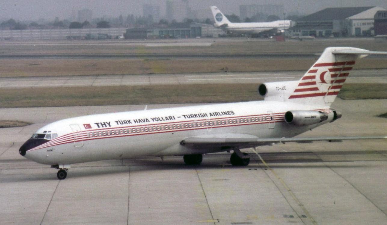 Boeing 727-200 TC-JCE