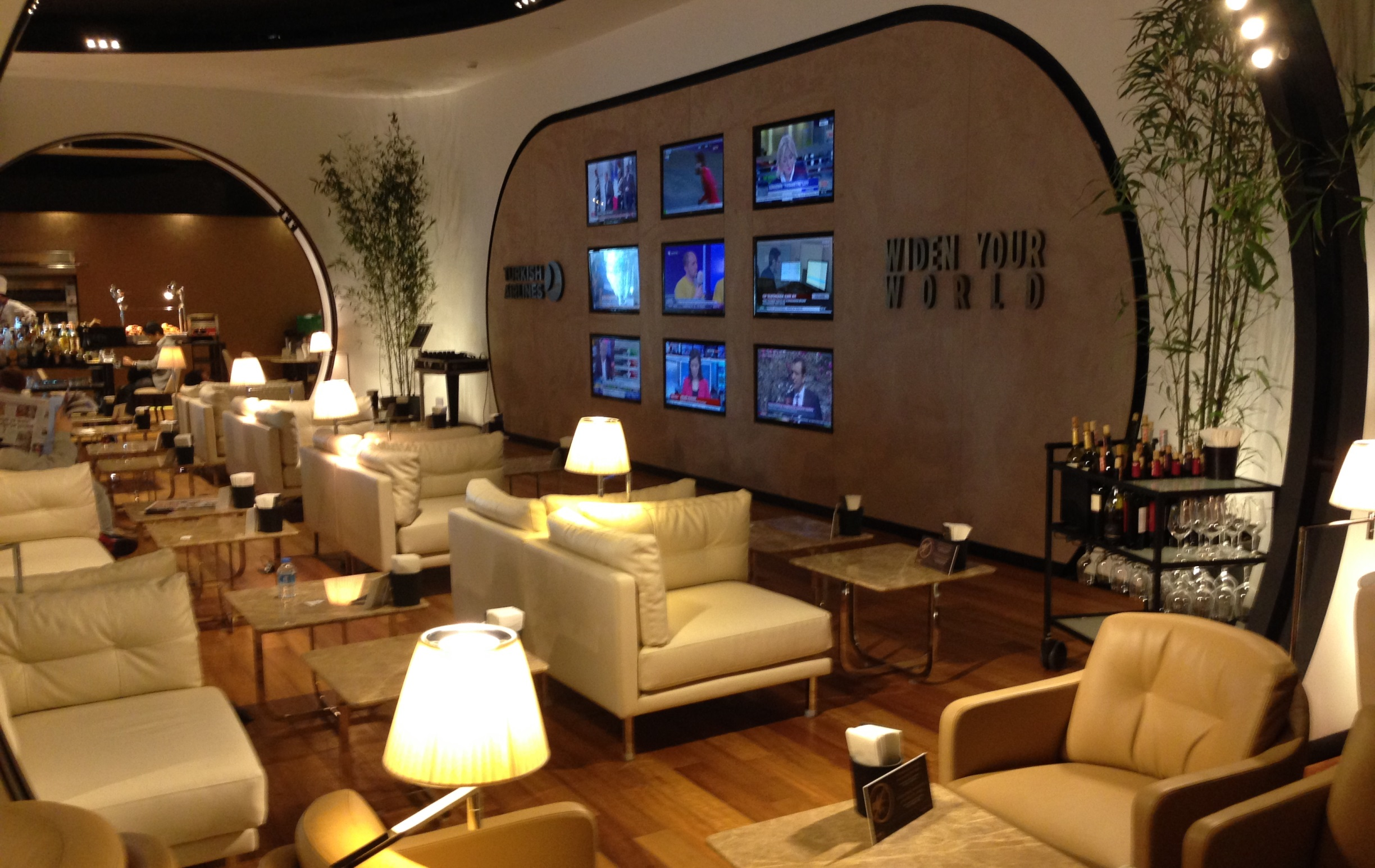 THY_Turkish Airlines_Lounge Istanbul_March 2014