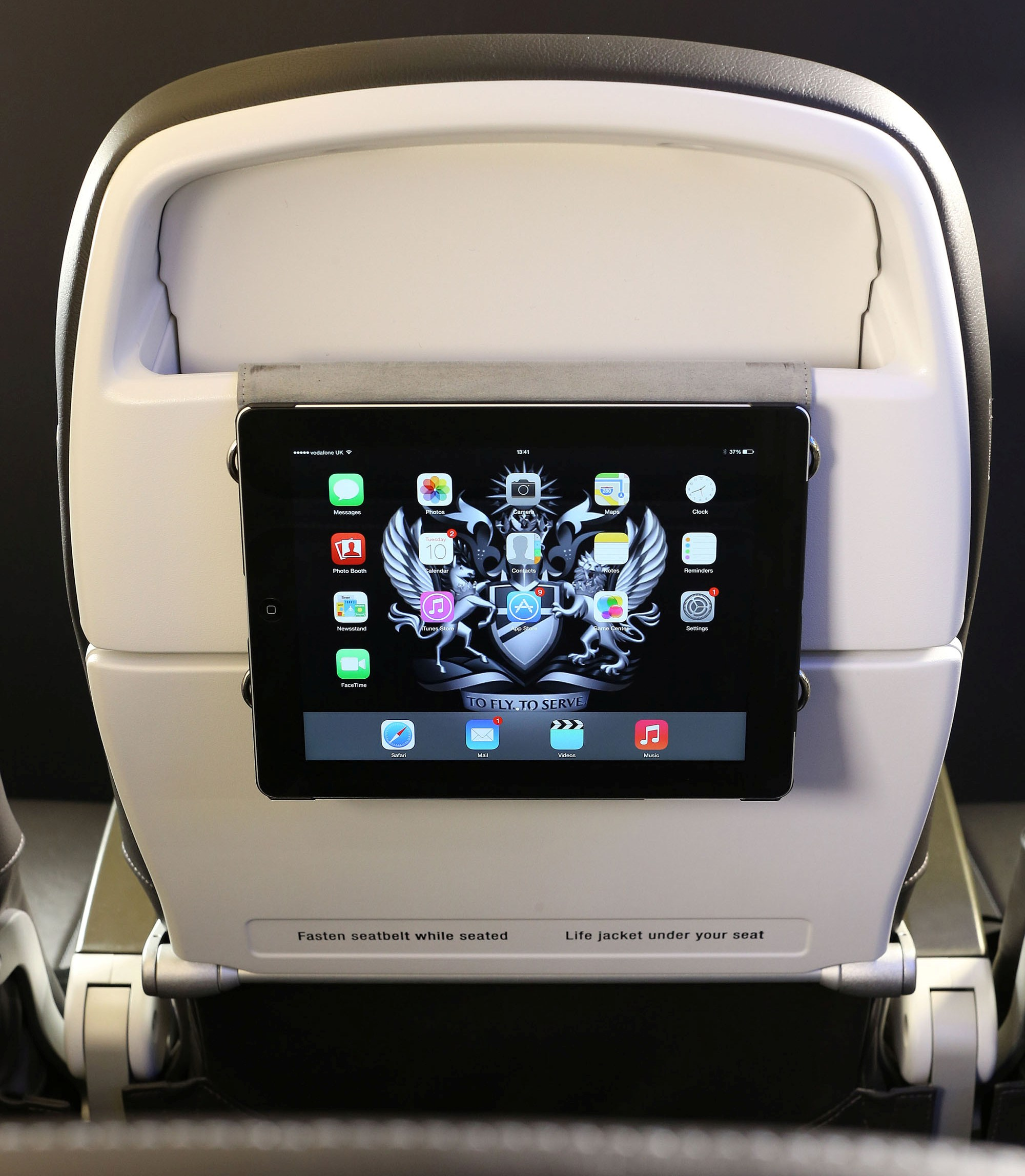 BA_short haul_slim line seat_tablet holder