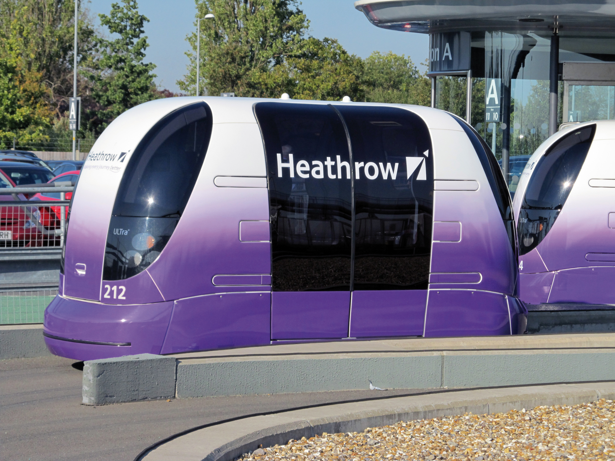 Heathrow_transport_Pods