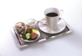 Etihad Airways_newdining concept_First-Class-Café-Gourmand-service