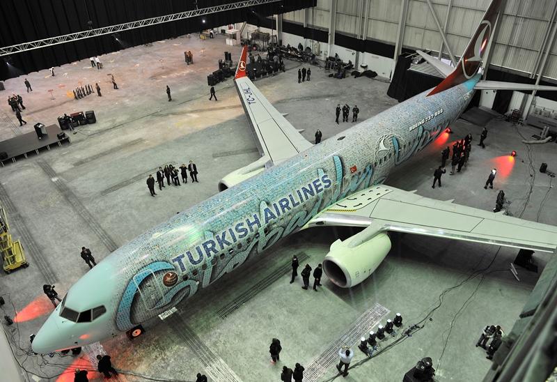 THY_Foto_Personel_Boeing_737_TC-JHL_kucuk