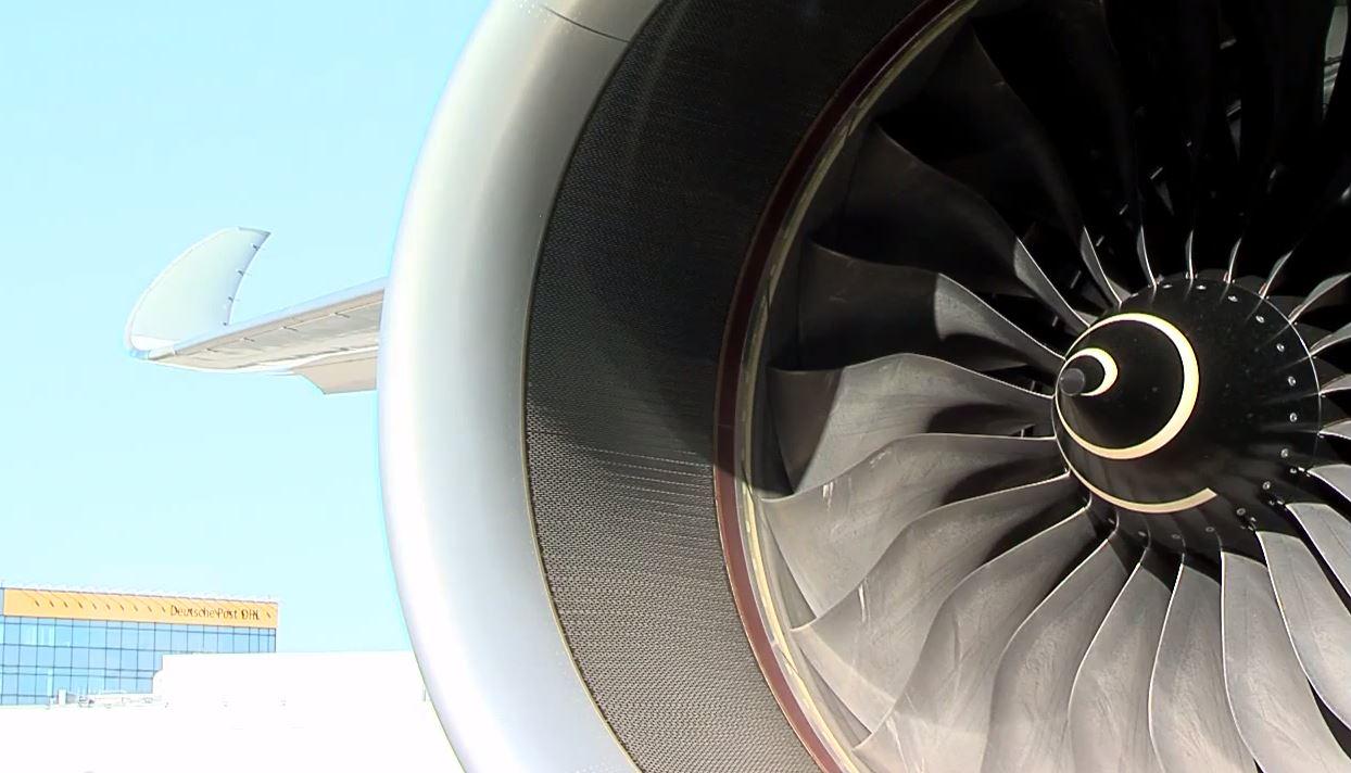 Engine wash Lufthansa Technik