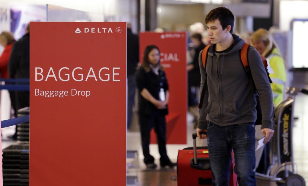 Delta-Air-Lines_baggage-drop