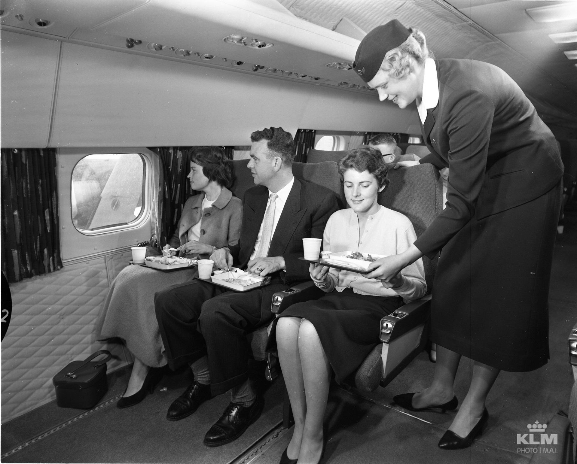 KLM_Economy Class_1958_inflight service