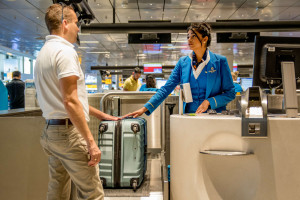 KLM_Luggage_smaller_lighter_airpor_check-in