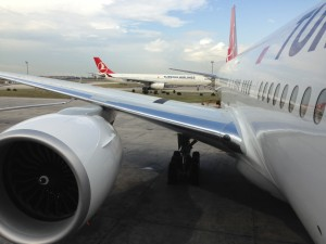 THY_Turkish Airlines_Boeing 777 vs Airbus A330_Istanbul_IST_Sep 2014
