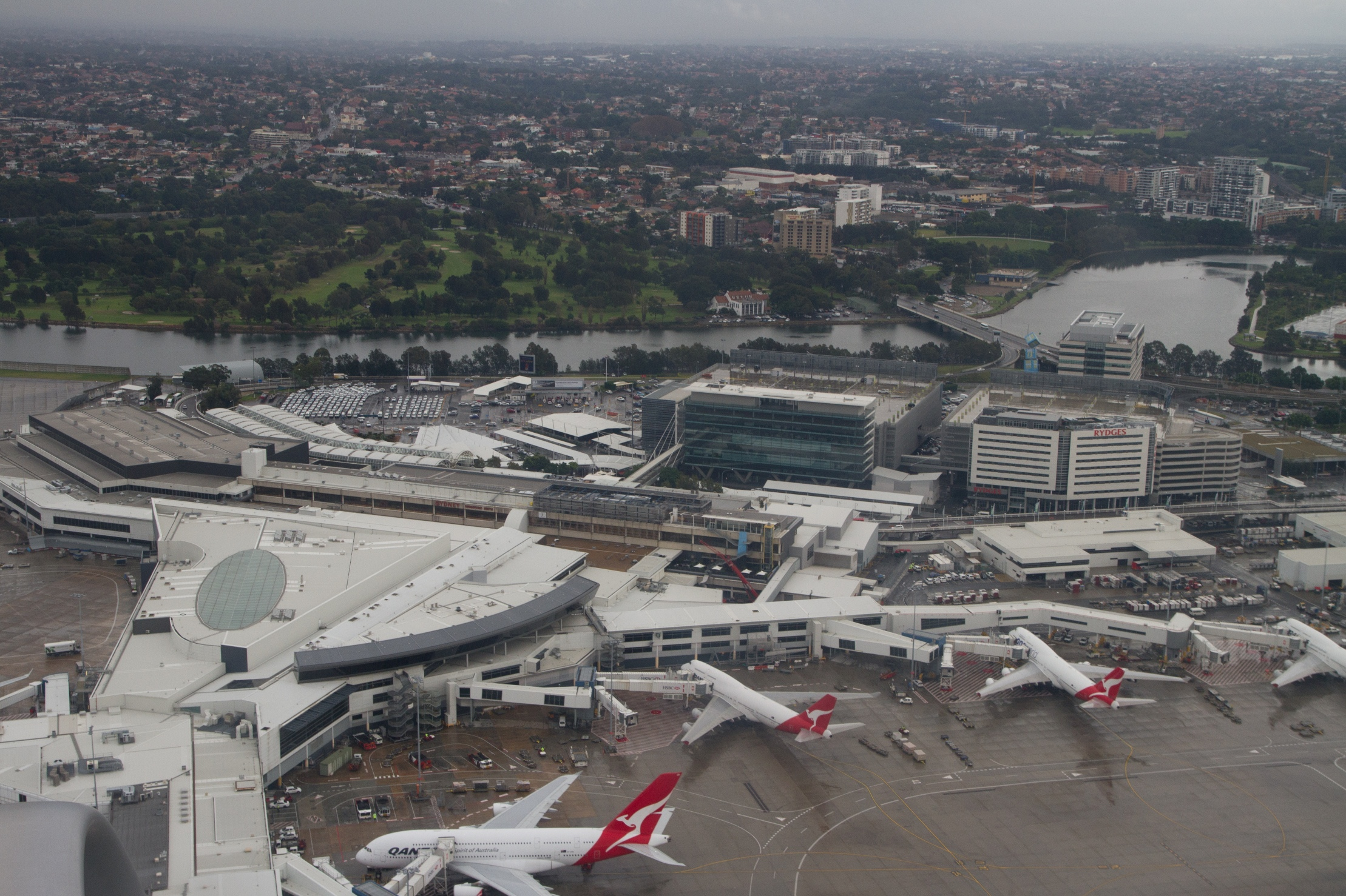 Sydney_Airport_SYD_International_terminal