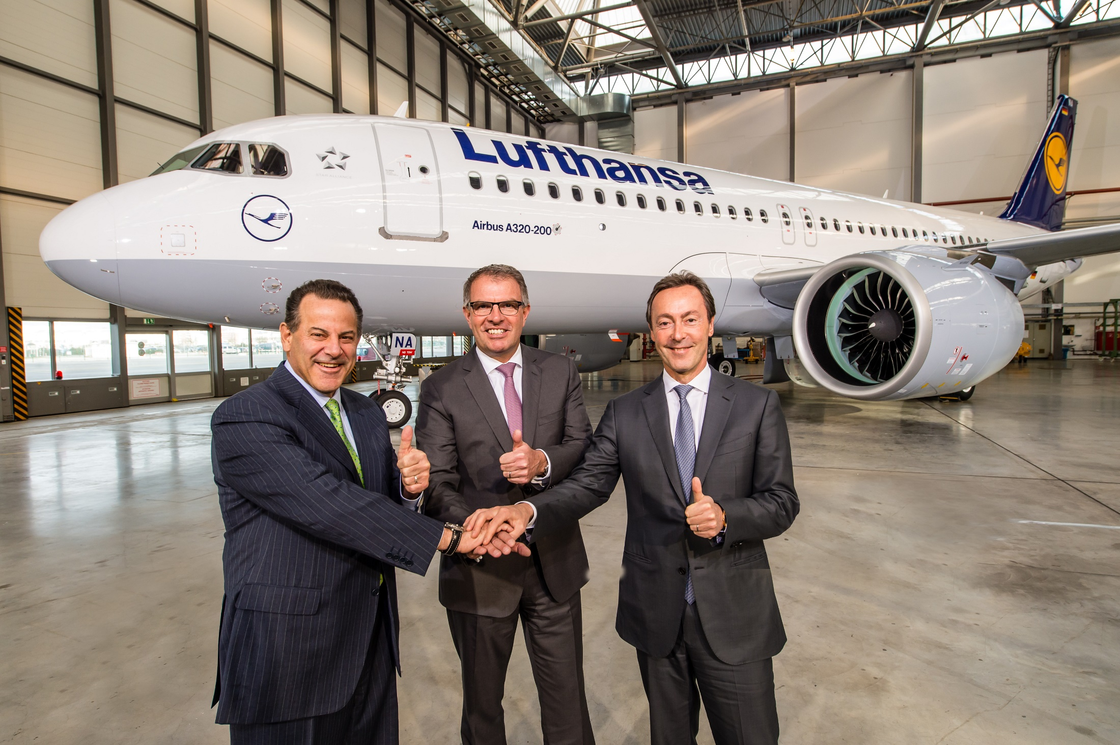 Airbus A320neo_Lufthansa_becomes_launch_customer